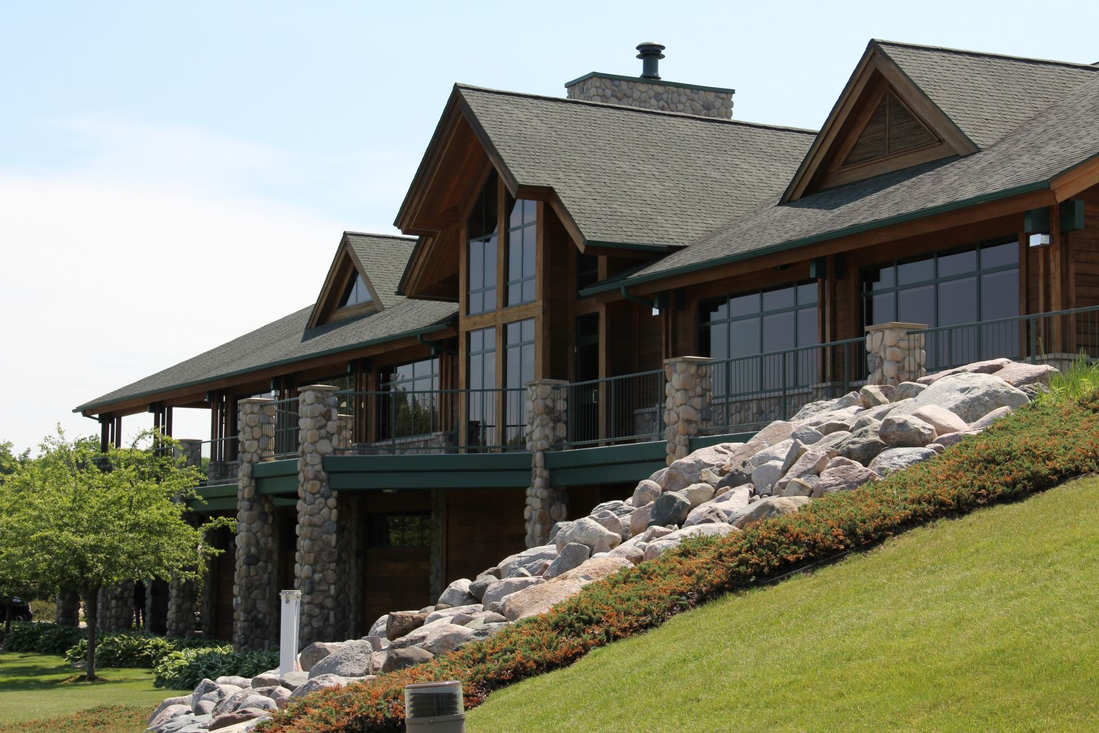 8c9f32c25e4d The clubhouse at Bucks Run features a fully-stocked golf pro-shop that can  satisfy the shopping needs of all golfers. Along with name brand men s and  ...